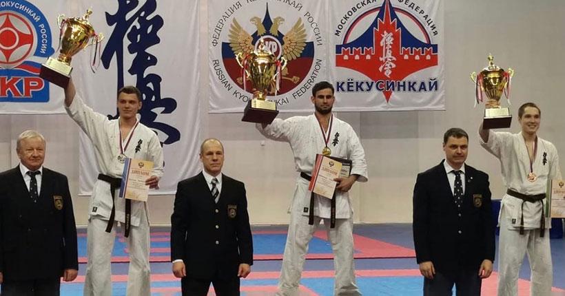 Каратист из Новосибирска завоевал серебро на чемпионате России