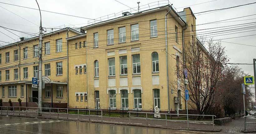 Учащихся и сотрудников лицея №12 эвакуируют в Новосибирске