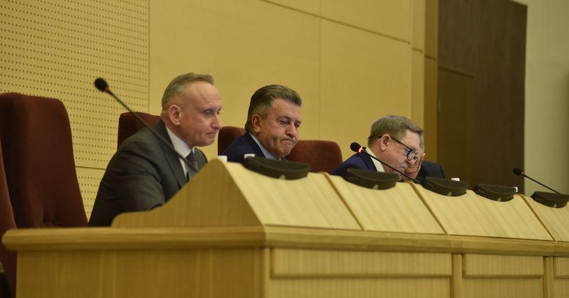 Андрей Шимкив: «Стараемся создать все условия, чтобы обеспечить людей зарплатой и жильём»