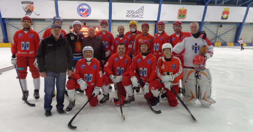 Ветераны бенди Новосибирской области завоевали серебро на первенстве России