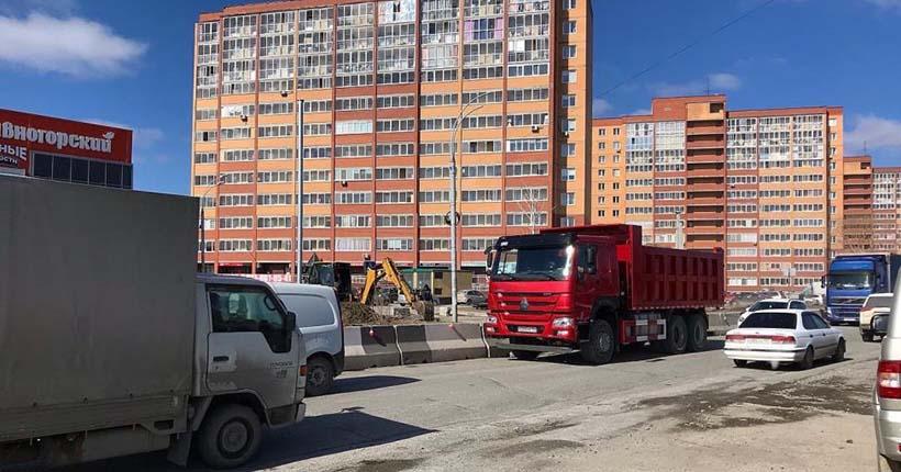 Депутат заксобрания подключился к решению вопроса о пробках на улице Большой в Новосибирске
