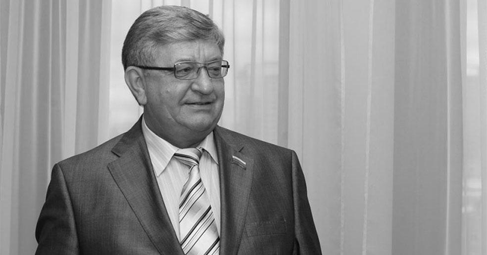 Депутаты заксобрания выражают соболезнования семье и близким Алексея Беспаликова