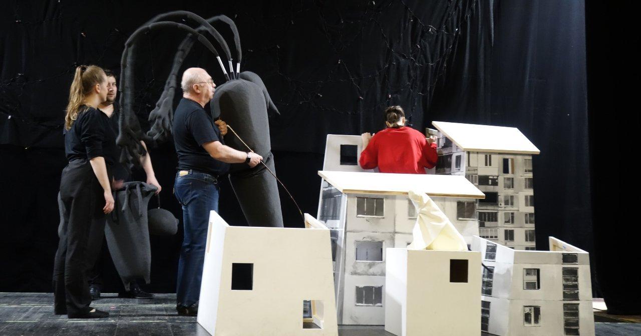 В Новосибирском областном театре кукол идут репетиции нового спектакля по повести Тургенева «Муму»