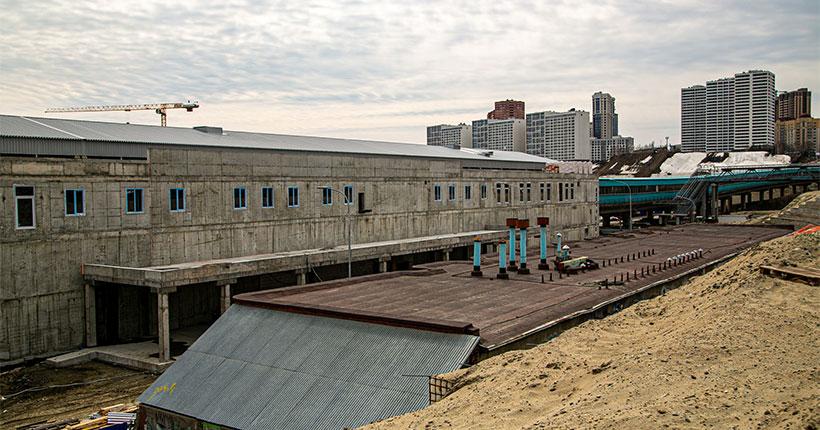 На станцию метро «Спортивная» в Новосибирске доставили эскалаторы швейцарского производства
