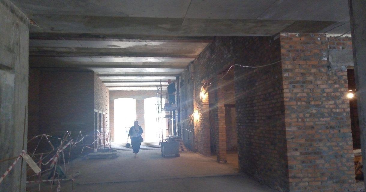 Усилить фундамент и стены — здание новосибирского театра Сергея Афанасьева будет сдано в декабре 2022 года