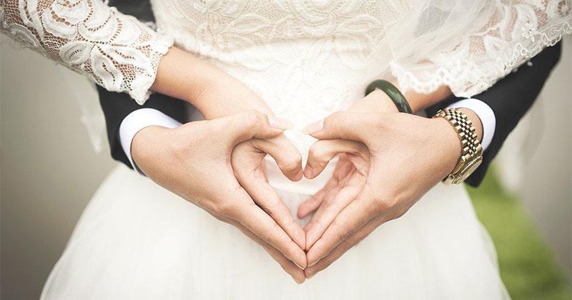 Женихам и невестам Новосибирска рассказали о правилах регистрации брака в июне