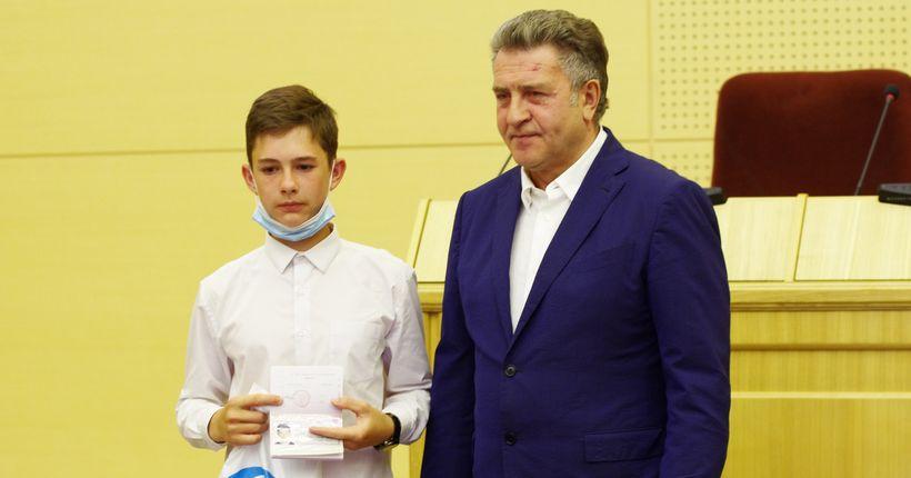 Школьники Новосибирской области поинтересовались у спикера заксобрания депутатскими зарплатами