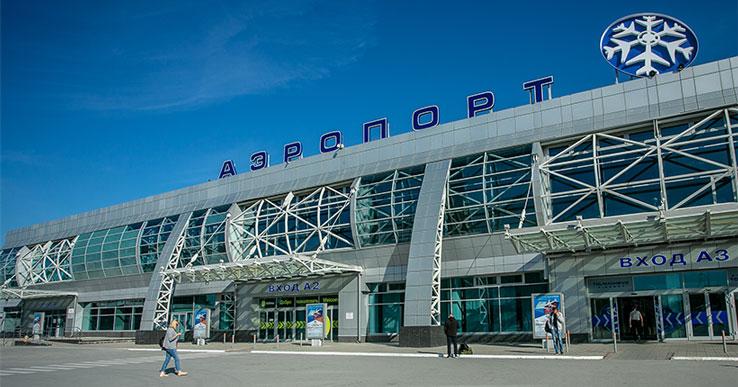 В аэропорту Толмачёво самолёт вернулся на стоянку из-за неадекватного пассажира