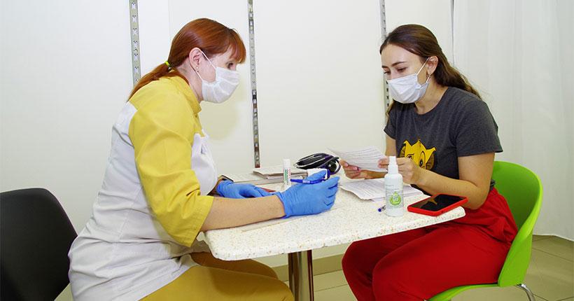 Желающих поставить прививку против коронавируса стало в два раза больше в Новосибирской области