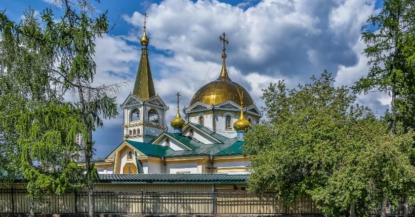 Тысячи новосибирцев устремились к мощам Александра Невского