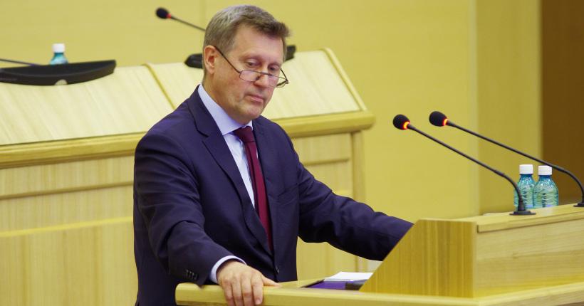 Мэр Новосибирска отчитался перед депутатами заксобрания за качество городских дорог