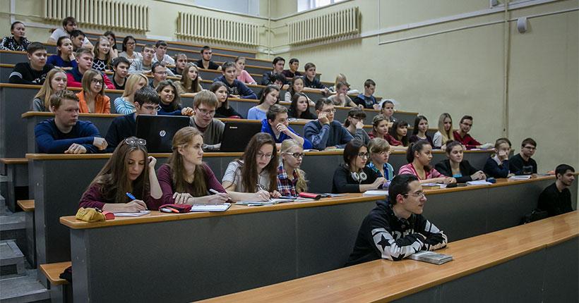 Два учебных заведения из Новосибирска вошли в топ-20 региональных вузов по успешности трудоустройства выпускников