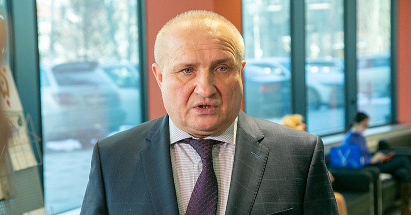 Бизнес-омбудсмен Николай Мамулат призвал работодателей стимулировать сотрудников, прошедших вакцинацию от COVID-19