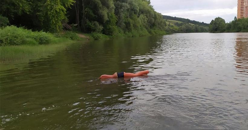 Неравнодушные новосибирцы пытались спасти тонущий в реке манекен