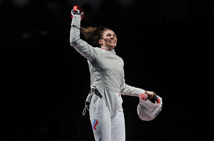 Новосибирская саблистка София Позднякова стала олимпийской чемпионкой