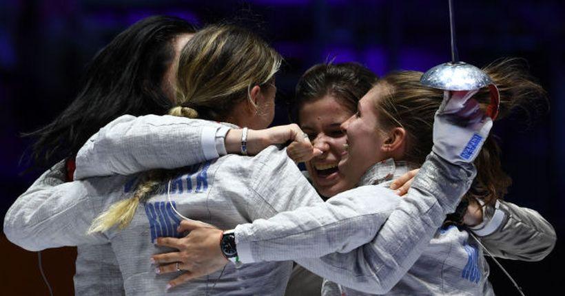 Новосибирская саблистка София Позднякова стала двукратной олимпийской чемпионкой
